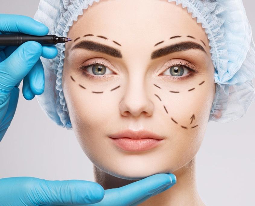 behandling av kvinner plastisk kirurgi